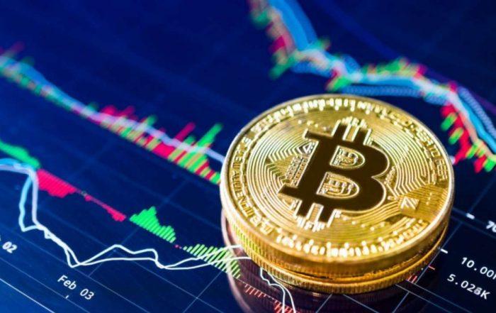 Bitcoin scende da 65K a 42K dollari in un mese